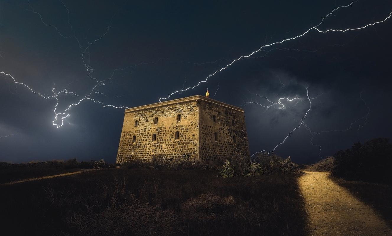 Tormenta sobre el fuerte